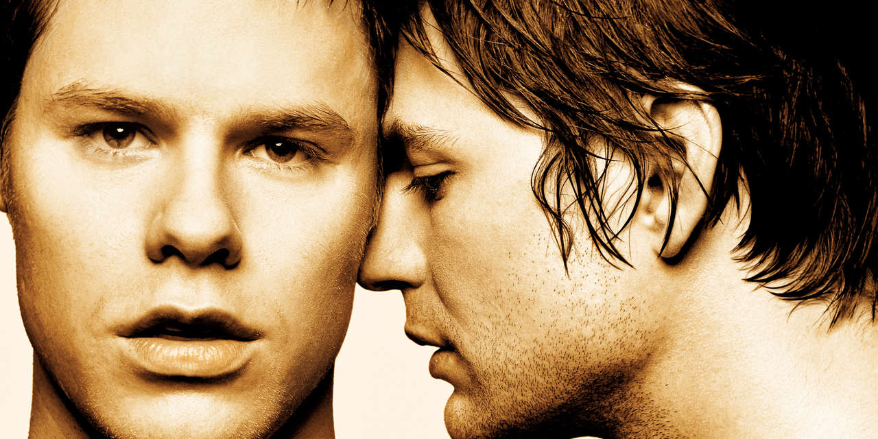 Queer As Folk Seasons Episodes Cast Characters